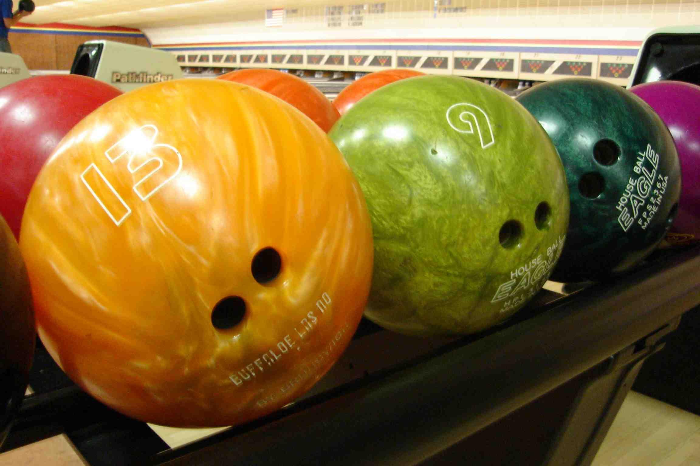 Comment lancer une boule de bowling?