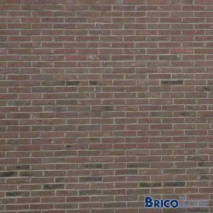 Comment enlever les taches noires des briques ?
